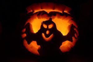 halloween-pompoen-snijden-spook